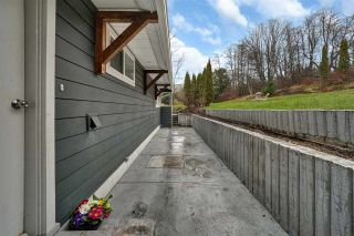 Photo 4: 38132 CLARKE Drive in Squamish: Hospital Hill House for sale : MLS®# R2442112