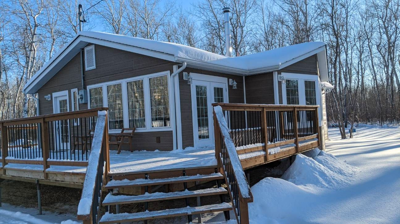 Main Photo: 83 BILLY GOAT Drive in Traverse Bay: Single Family Detached for sale