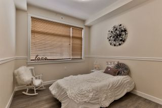 """Photo 13: B323 20716 WILLOUGHBY TOWN CENTRE Drive in Langley: Willoughby Heights Condo for sale in """"Yorkson Downs"""" : MLS®# R2459046"""