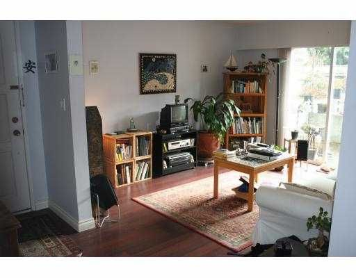 Photo 4: Photos: 3024 W 10TH Avenue in Vancouver: Kitsilano House for sale (Vancouver West)  : MLS®# V755438