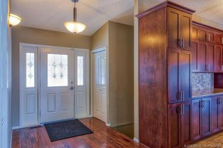 Photo 4: 681 Cassiar Crescent, in Kelowna: House for sale : MLS®# 10152287