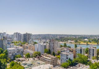 """Photo 15: 2105 1251 CARDERO Street in Vancouver: West End VW Condo for sale in """"THE SURFCREST"""" (Vancouver West)  : MLS®# R2190584"""