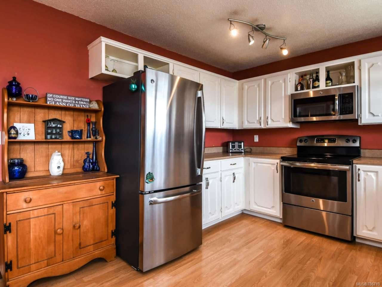 Photo 14: Photos: 1234 Denis Rd in CAMPBELL RIVER: CR Campbell River Central House for sale (Campbell River)  : MLS®# 786719