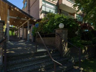 "Photo 21: 104 1702 CHESTERFIELD Avenue in North Vancouver: Central Lonsdale Condo for sale in ""Chesterfield Place"" : MLS®# R2482500"