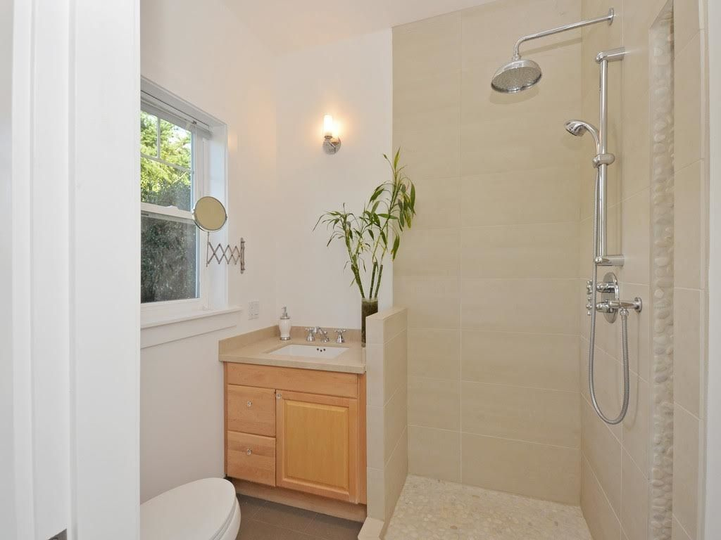 Photo 17: Photos: 728 E 7TH Street in North Vancouver: Queensbury House for sale : MLS®# R2114157