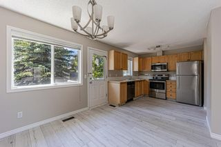 Photo 17: 121 Citadel Point NW in Calgary: Citadel Row/Townhouse for sale : MLS®# A1121802