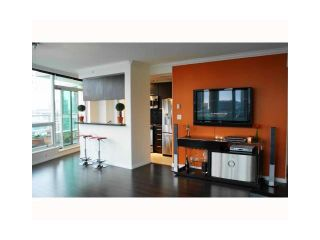 """Photo 3: 3202 1111 W PENDER Street in Vancouver: Coal Harbour Condo for sale in """"VANTAGE"""" (Vancouver West)  : MLS®# V926824"""