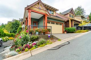 """Photo 1: 16 36169 LOWER SUMAS MOUNTAIN Road in Abbotsford: Abbotsford East Townhouse for sale in """"Junction Creek"""" : MLS®# R2610140"""
