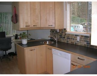 Photo 3: 105 555 W 28TH Street in North_Vancouver: Upper Lonsdale Townhouse for sale (North Vancouver)  : MLS®# V693743