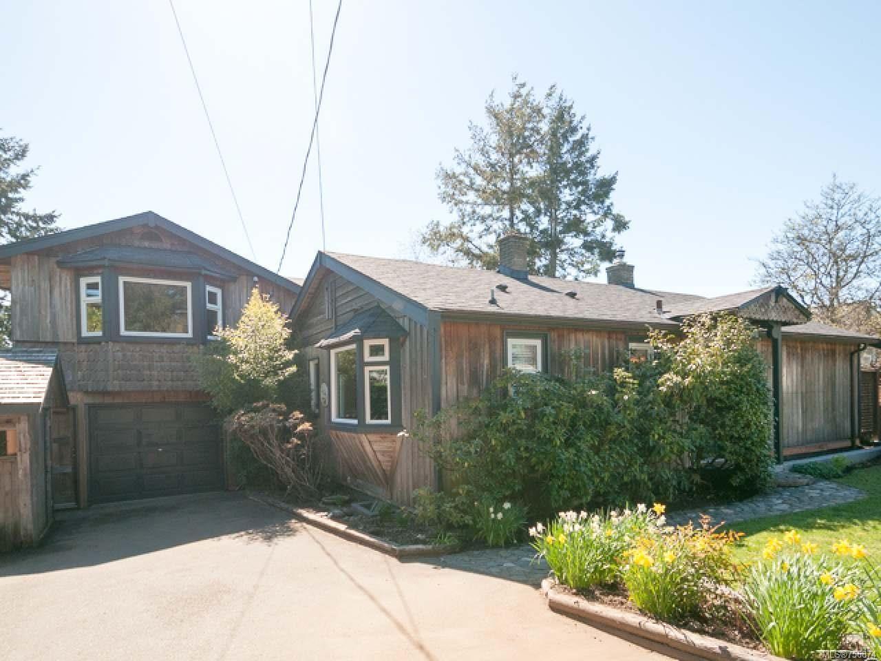 Main Photo: 1911 Comox Ave in COMOX: CV Comox (Town of) House for sale (Comox Valley)  : MLS®# 756874