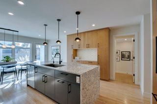 Photo 9: 1011 80 Avenue SW in Calgary: Chinook Park Detached for sale : MLS®# A1071031