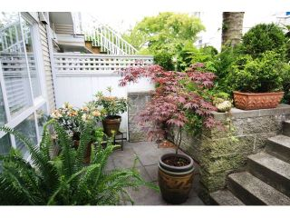 """Photo 10: 43 6577 SOUTHOAKS Crescent in Burnaby: Highgate Townhouse for sale in """"TUDOR GROVE"""" (Burnaby South)  : MLS®# V831621"""