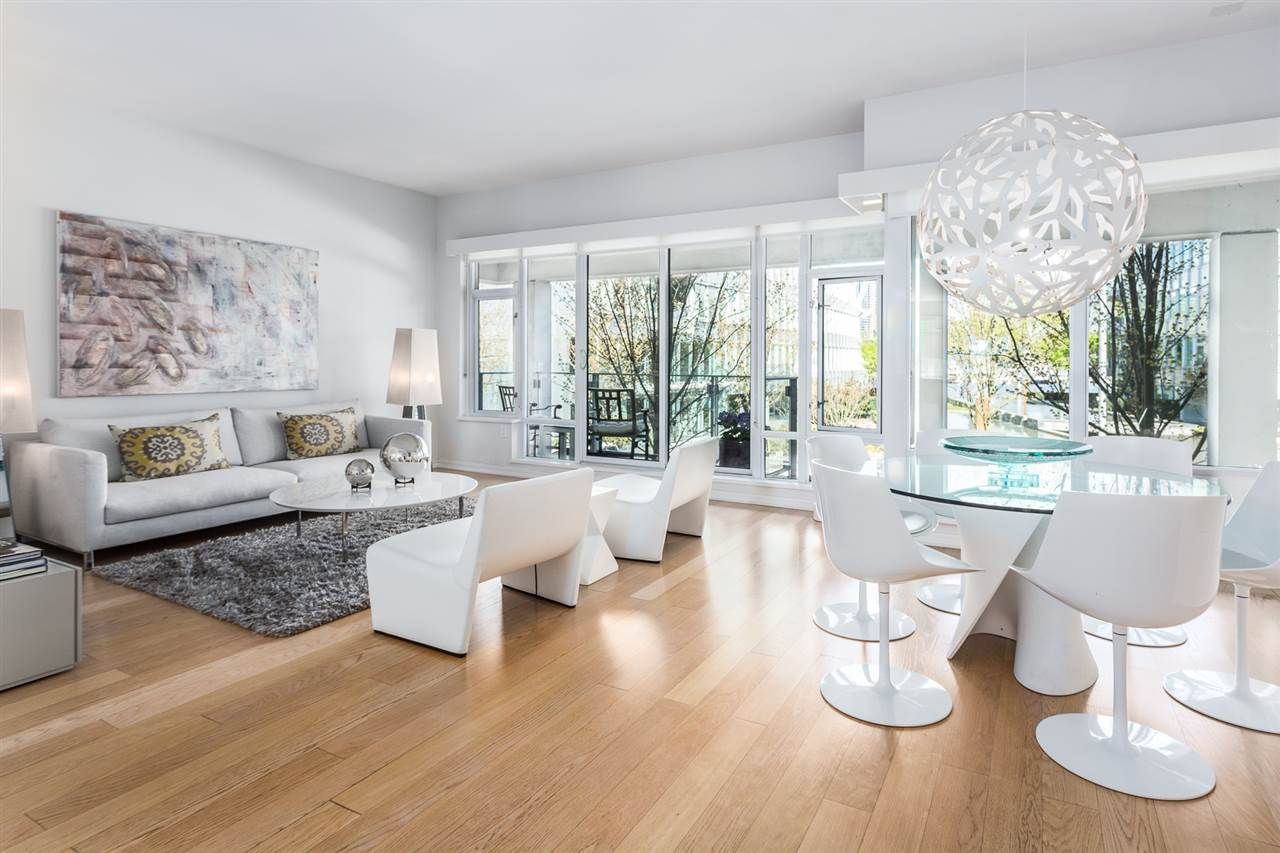 Main Photo: 201 170 ATHLETES WAY in Vancouver: False Creek Condo for sale (Vancouver West)  : MLS®# R2401471