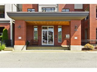"""Photo 3: 301 8880 202ND Street in Langley: Walnut Grove Condo for sale in """"THE RESIDENCES AT VILLAGE SQUARE"""" : MLS®# F1409404"""