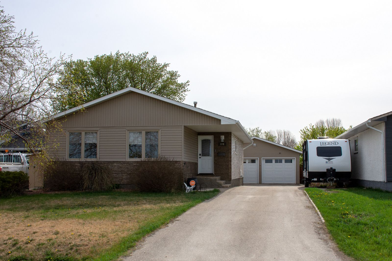 Main Photo: 878 10th Street NW in Portage la Prairie: House for sale : MLS®# 202111997