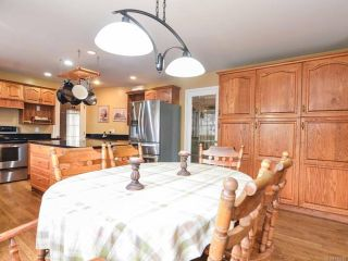 Photo 8: 698 Windsor Pl in CAMPBELL RIVER: CR Willow Point House for sale (Campbell River)  : MLS®# 745885