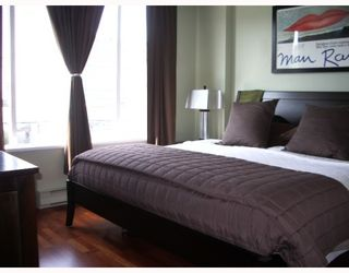 """Photo 7: 403 1566 W 13TH Avenue in Vancouver: Fairview VW Condo for sale in """"ROYAL GARDENS"""" (Vancouver West)  : MLS®# V768607"""