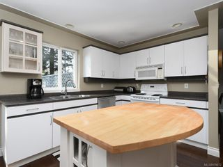 Photo 5: 6707 Amwell Dr in Central Saanich: CS Brentwood Bay House for sale : MLS®# 839672