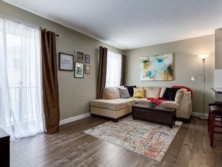 Photo 5: 6 Pantego Lane NW in Calgary: Panorama Hills Row/Townhouse for sale : MLS®# C4286058