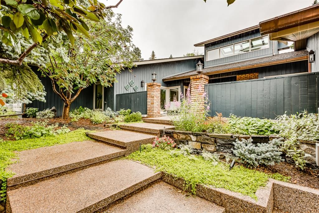 Photo 2: Photos: 831 PROSPECT Avenue SW in Calgary: Upper Mount Royal Detached for sale : MLS®# A1108724