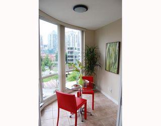 "Photo 6: 706 193 AQUARIUS MEWS BB in Vancouver: False Creek North Condo for sale in ""MARINASIDE RESORT RESIDENCES"" (Vancouver West)  : MLS®# V787619"