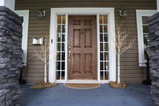 Photo 3: 6703 111 Avenue in Edmonton: Zone 09 House for sale : MLS®# E4207902