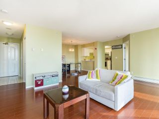 """Photo 5: 804 719 PRINCESS Street in New Westminster: Uptown NW Condo for sale in """"STIRLING PLACE"""" : MLS®# R2432360"""
