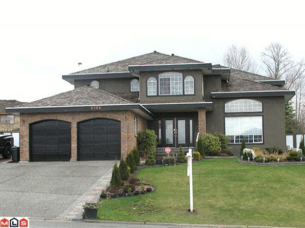 Main Photo: 8288 141A STREET in Surrey: Bear Creek Green Timbers House for sale ()  : MLS®# F1106783