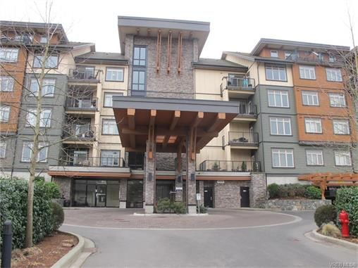 Main Photo: 422 623 Treanor Ave in VICTORIA: La Thetis Heights Condo for sale (Langford)  : MLS®# 748887