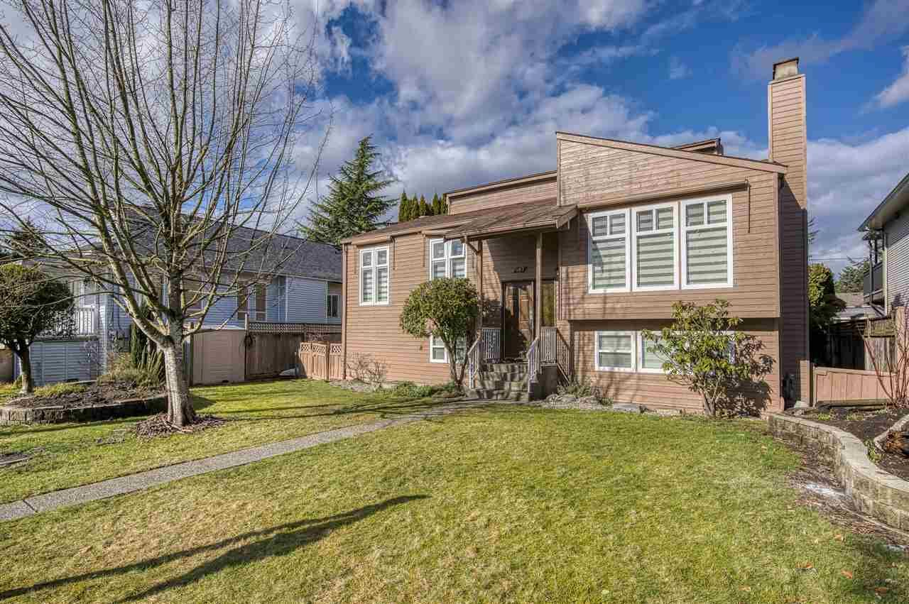 Main Photo: 467 DIXON Street in New Westminster: The Heights NW House for sale : MLS®# R2542128