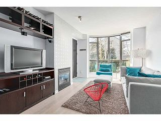 """Photo 2: 214 170 W 1ST Street in North Vancouver: Lower Lonsdale Townhouse for sale in """"ONE PARK LANE"""" : MLS®# V1109526"""
