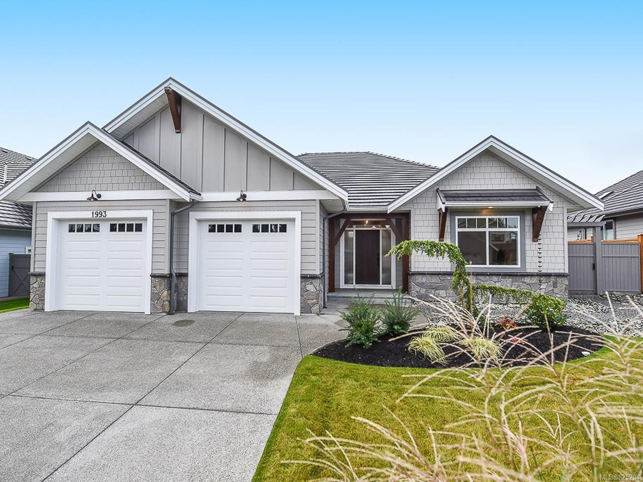 Main Photo: 1993 Crown Isle Dr in COURTENAY: CV Crown Isle House for sale (Comox Valley)  : MLS®# 825204