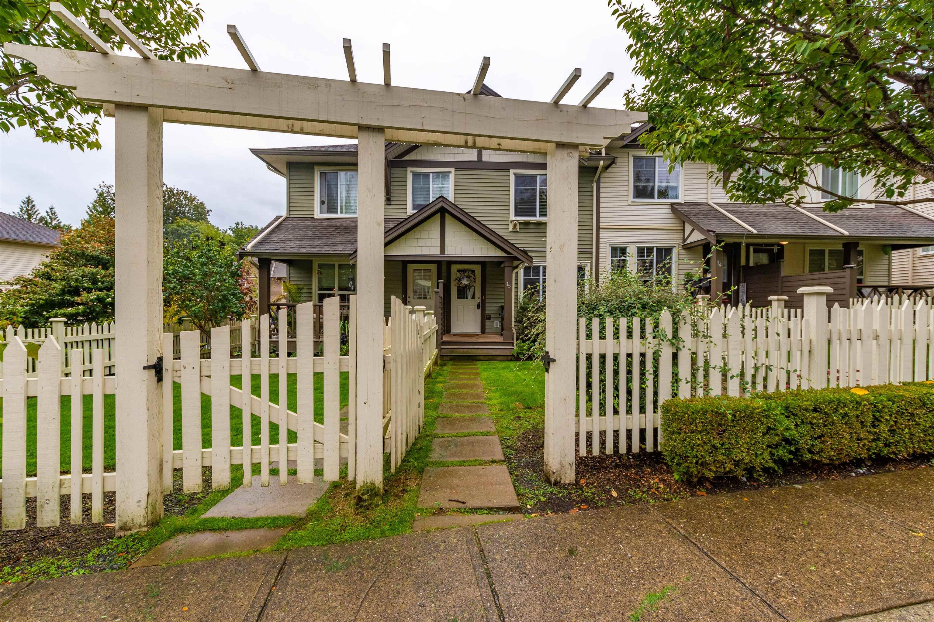 """Main Photo: 15 4401 BLAUSON Boulevard in Abbotsford: Abbotsford East Townhouse for sale in """"The Sage at Auguston"""" : MLS®# R2621672"""
