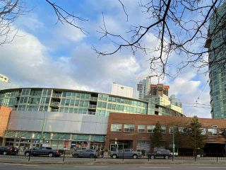 Photo 2: 723 6028 WILLINGDON AVENUE in : Metrotown Condo for sale : MLS®# R2421244