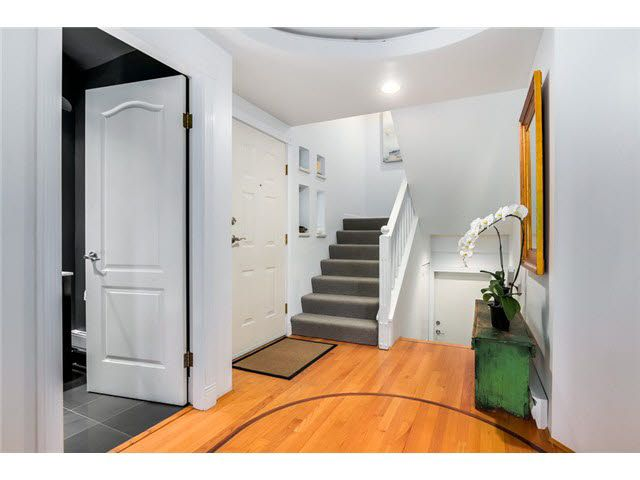 "Photo 7: Photos: 3211 W 6TH Avenue in Vancouver: Kitsilano 1/2 Duplex for sale in ""KITSILANO"" (Vancouver West)  : MLS®# V1091079"