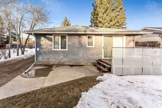 Photo 3: 8828 34 Avenue NW in Calgary: Bowness Detached for sale : MLS®# A1075550