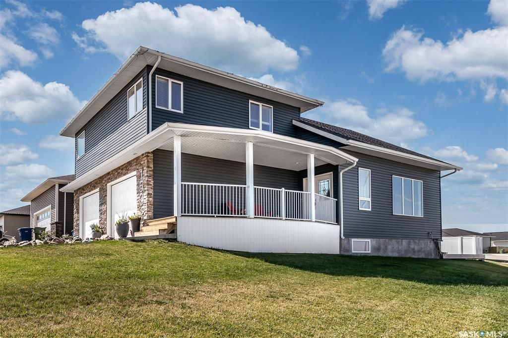 Main Photo: 153 Everton Crescent Southwest in Moose Jaw: Westmount/Elsom Residential for sale : MLS®# SK873908