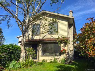 Photo 1: 3024 Cedar Hill Rd in VICTORIA: Vi Oaklands Row/Townhouse for sale (Victoria)  : MLS®# 762094