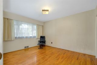 """Photo 18: 4818 SHIRLEY Avenue in North Vancouver: Canyon Heights NV House for sale in """"CANYON HEIGHTS"""" : MLS®# R2536396"""