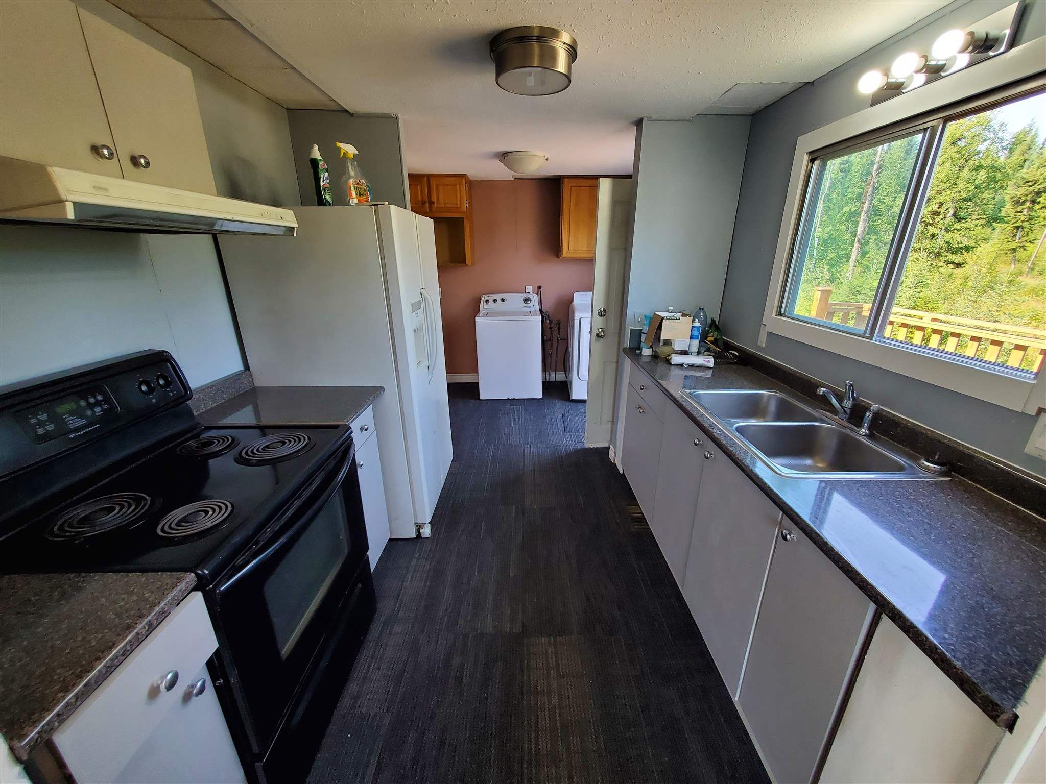 Photo 7: Photos: 2507 NORWOOD Road in Quesnel: Bouchie Lake Manufactured Home for sale (Quesnel (Zone 28))  : MLS®# R2606130