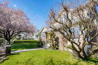 """Photo 2: 94 RICHMOND Street in New Westminster: Fraserview NW House for sale in """"Fraserview"""" : MLS®# R2563757"""