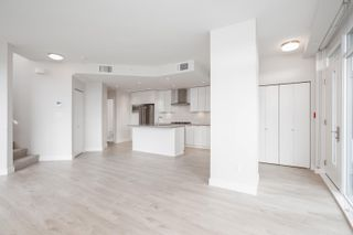 """Photo 8: 115 1788 GILMORE Avenue in Burnaby: Brentwood Park Townhouse for sale in """"Escala"""" (Burnaby North)  : MLS®# R2623374"""