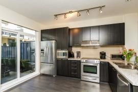 """Photo 6: 44 1338 HAMES Crescent in Coquitlam: Burke Mountain Townhouse for sale in """"FARRINGTON PARK"""" : MLS®# R2048770"""