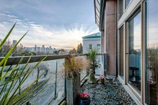 """Photo 11: 303 1529 W 6TH Avenue in Vancouver: False Creek Condo for sale in """"SOUTH GRANVILLE LOFTS"""" (Vancouver West)  : MLS®# R2349958"""