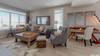 Photo 4: 4407 Buckingham Drive East in Regina: The Towns Residential for sale : MLS®# SK847289