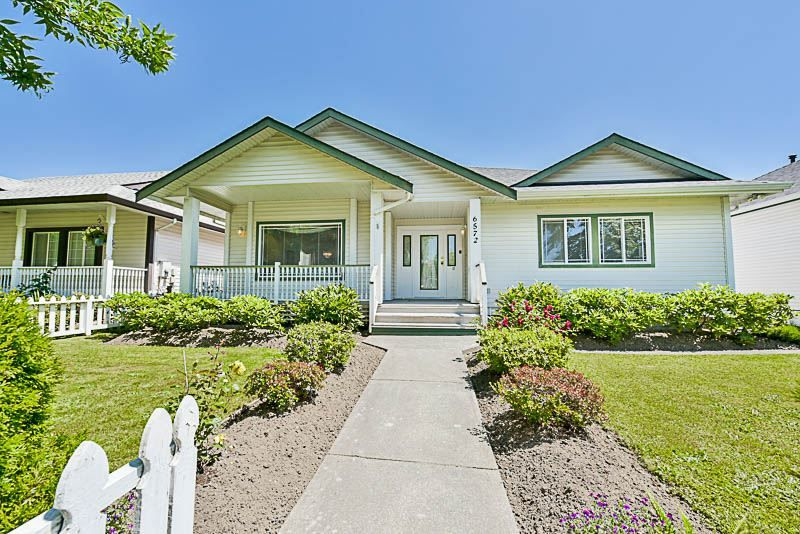 Main Photo: 6572 184 Street in Surrey: Cloverdale BC House for sale (Cloverdale)  : MLS®# R2181959