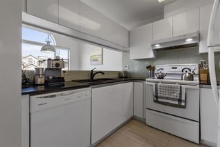 Photo 12: 305 868 W 16TH AVENUE in Vancouver: Cambie Condo for sale (Vancouver West)  : MLS®# R2560619