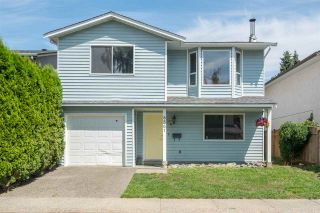 Photo 1: 8567 MCCUTCHEON Avenue in Chilliwack: Chilliwack W Young-Well House for sale : MLS®# R2202086