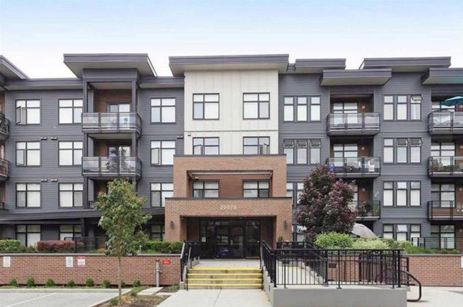 """Main Photo: 405 20078 FRASER Highway in Langley: Langley City Condo for sale in """"VARSITY"""" : MLS®# R2307640"""