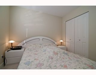 """Photo 8: 301 995 W 59th Ave in Vancouver: Marpole Condo for sale in """"Chruchill Gardens"""" (Vancouver West)  : MLS®# V812017"""